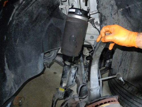 small resolution of mercedes air suspension strut airbag replacement diy