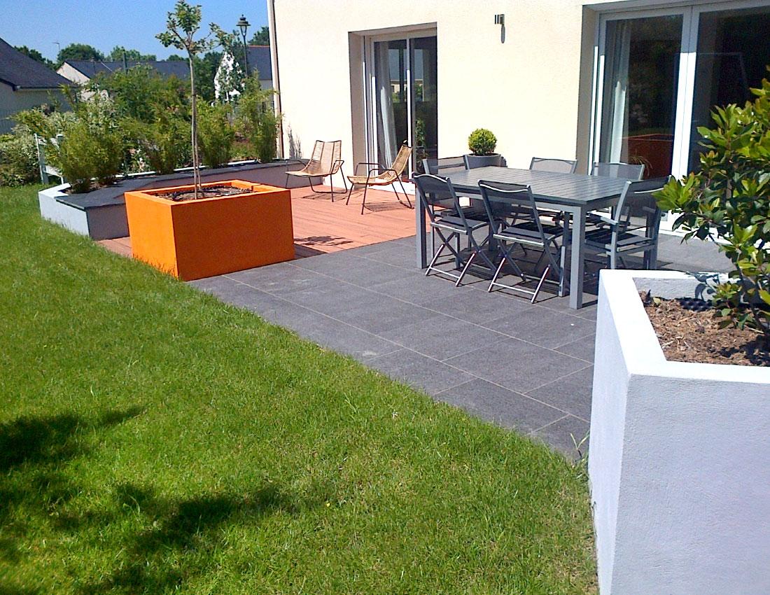cr ation d 39 une terrasse mercier paysage paysagiste. Black Bedroom Furniture Sets. Home Design Ideas