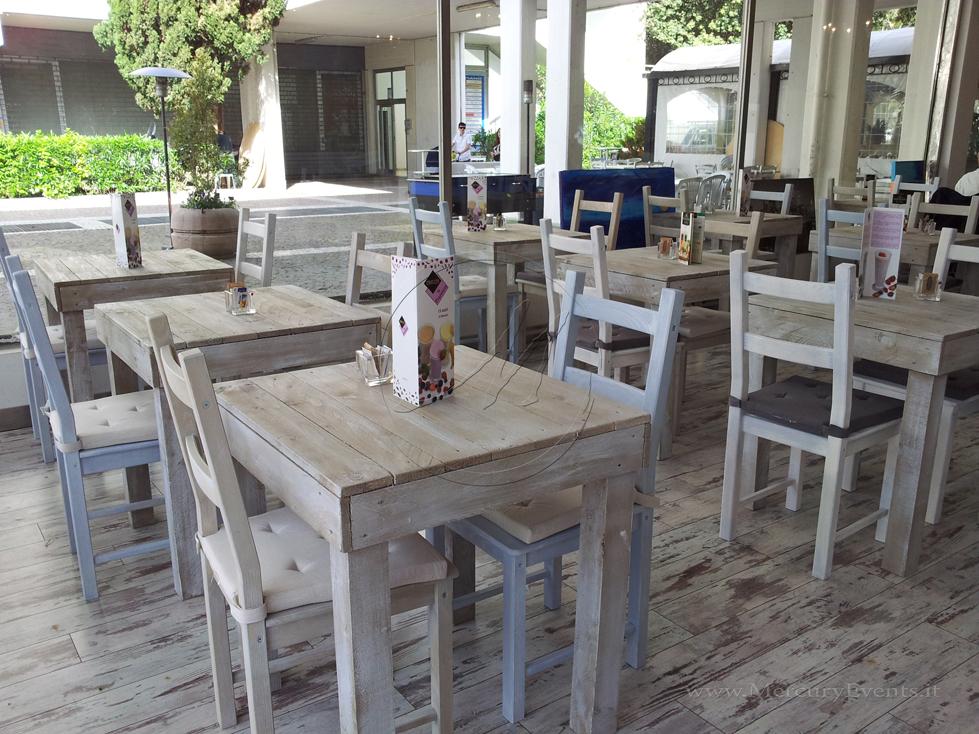 Arredamento mobili roma idee di decorazione per interni domestici giardino paesaggio for Arredamento mobili roma