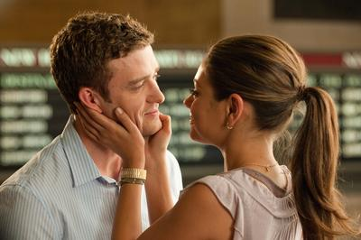 review friends benefits from