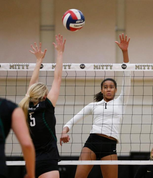 Archbishop Mitty's Candice Denny helped lead Monarchs to a first-place finish at the season-opening Spikefest tournament. File photo: Jim Gensheimer/staff