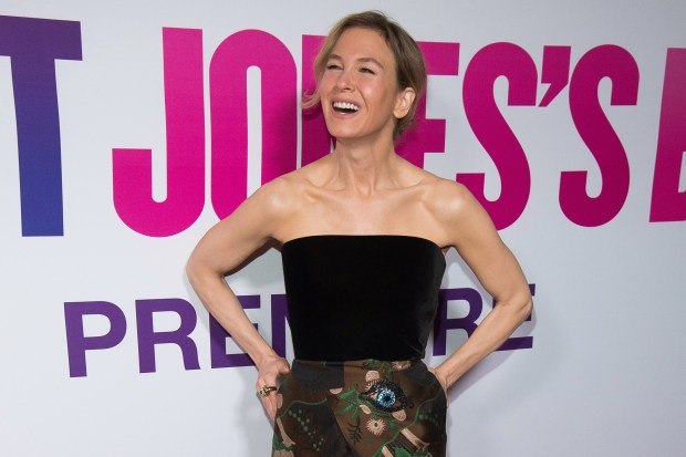 """Renee Zellweger attends the premiere of """"Bridget Jones' Baby"""" at The Paris Theatre on Monday, Sept. 12, 2016, in New York. (Photo by Charles Sykes/Invision/AP)"""