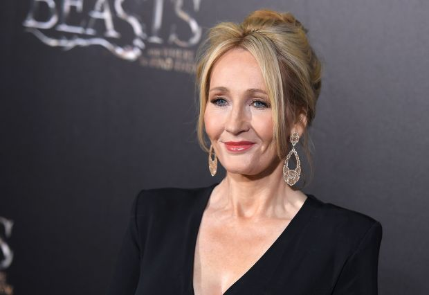 Author J.K. Rowling attends the 'Fantastic Beasts and Where to Find Them' World Premiere at Alice Tully Hall, Lincoln Center in New York on November 10, 2016. / AFP PHOTO / ANGELA WEISSANGELA WEISS/AFP/Getty Images