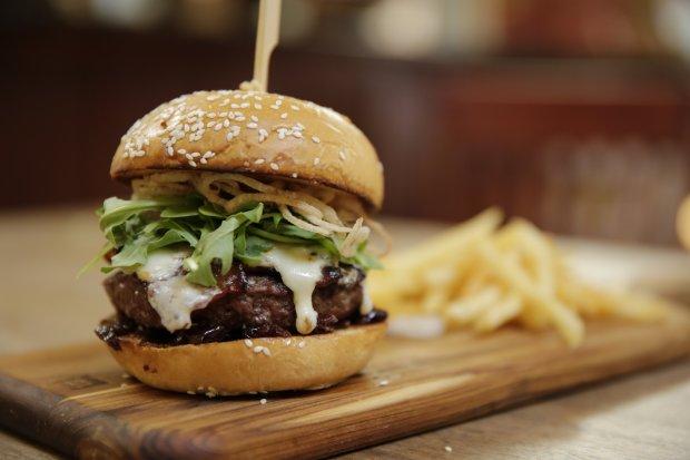 Ojai's Azu Restaurant specializes in tapas, mezzes and other Mediterranean food, but its Bison Blue Burger cannot be denied. (Photo: Azu Restaurant)