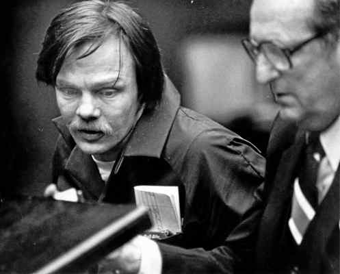 Lawrence Bittaker with attorney Albert Garber, right, in Torrance Superior Court, Feb 17, 1981. Bittaker is currently on death row. (Daily Breeze staff file photo)