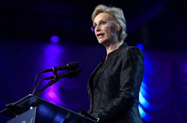 Jane Lynch presents the Vanguard award at the 28th annual Palm Springs International Film Festival Awards Gala on Monday, Jan. 2, 2017, in Palm Springs, Calif. (Photo by Chris Pizzello/Invision/AP)