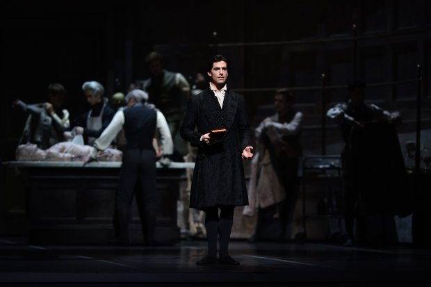 "Joseph Walsh as Frankenstein in the anatomy room where students dissectcadavers in San Francisco Ballet's ""Frankenstein."" (© Erik Tomasson)"