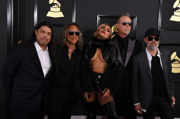(L-R) Musicians Robert Trujillo and Kirk Hammett of Metallica, singer Lady Gaga and James Hetfield and Lars Ulrich of Metallica arrives for the 59th Grammy Awards on February 12, 2017, in Los Angeles, California. / AFP / Mark RALSTON (Photo credit should read MARK RALSTON/AFP/Getty Images)