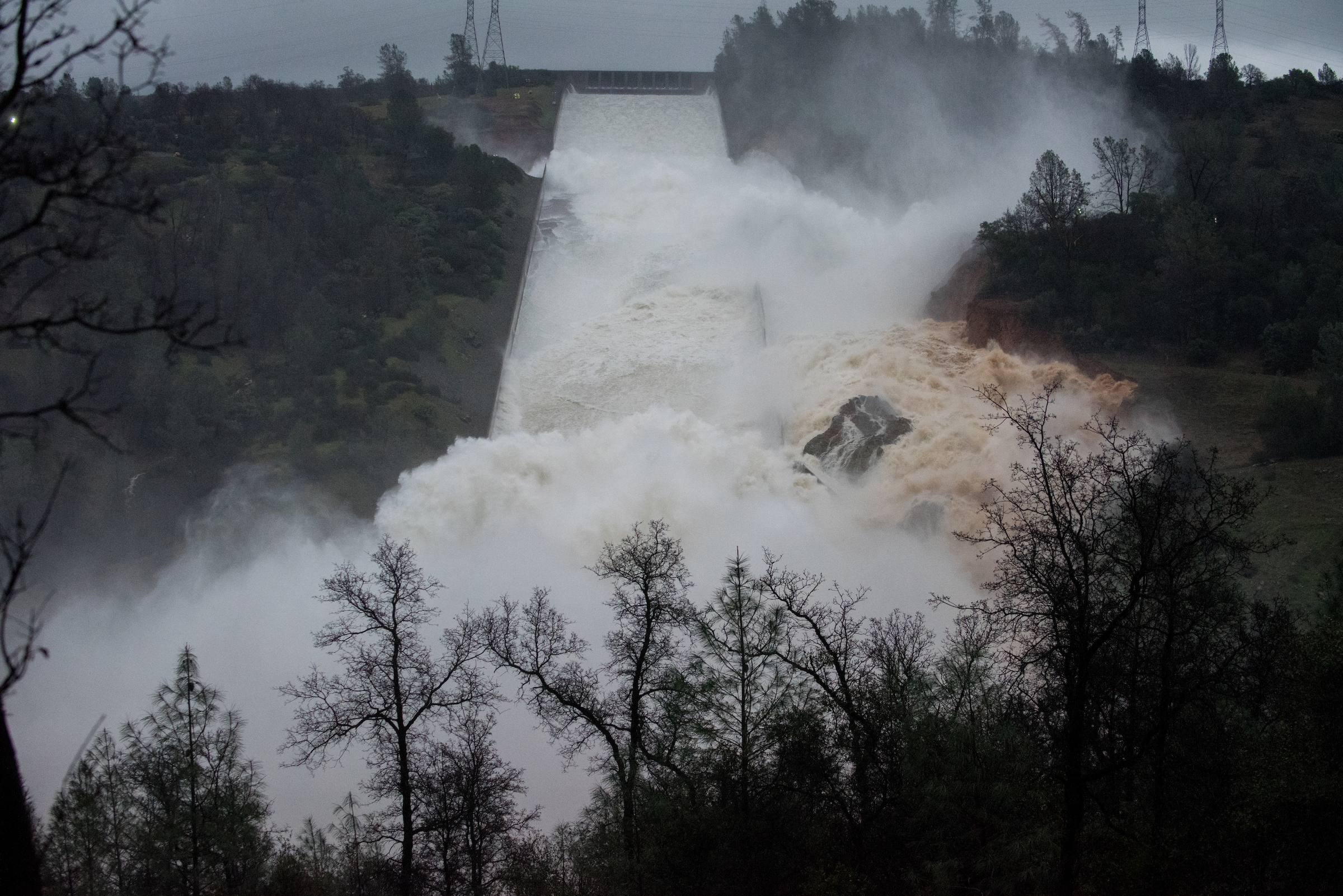 Will there be an apocalyptic dam breakage at Lake