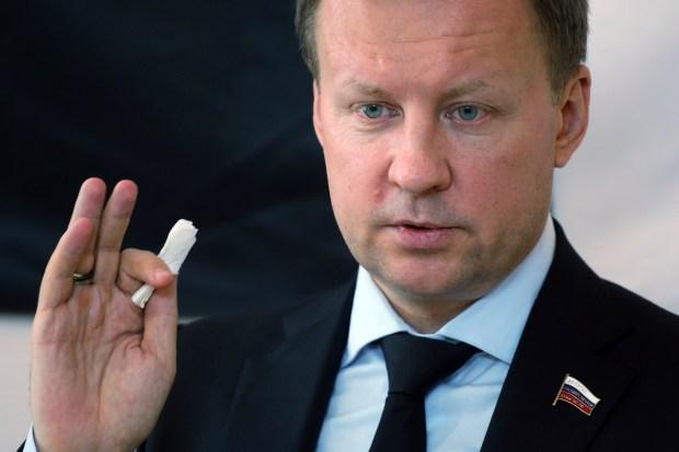 Denis Voronenkov (Roman Yarovitcyn/Kommersant Photo via AP)