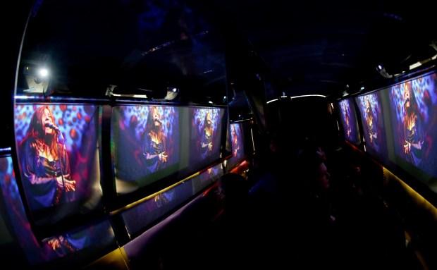 旧金山魔术巴士之旅的嬉皮士之旅