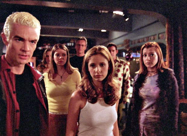 """20TH CENTURY FOXCast of """"Buffy the Vampire Slayer"""" front, included, from left, James Marsters, Sarah Michelle Gellar, Alyson Hannigan, middle, Amber Benson, back, from left, Emma Caulfield, Anthony Stewart Head, Nicholas Brendon. Marsters will be in San Jose as part of the Wizard World festival."""