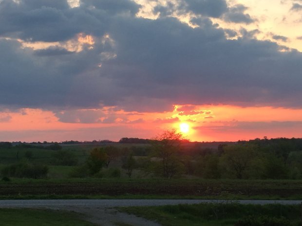 Glorious Iowa sunset. (Angela Hill/Staff)