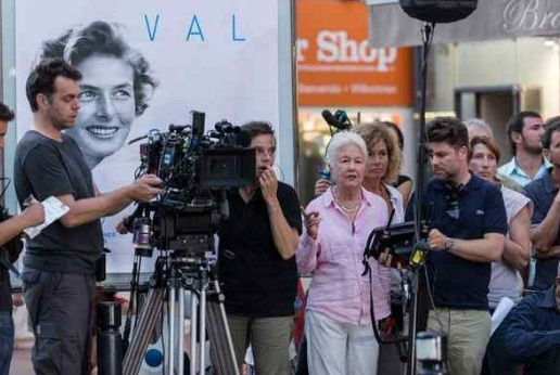"Writer-director Eleanor Coppola on the set of ""Paris Can Wait."" (Photo credit: Eric Caro - Sony Pictures Classics)"