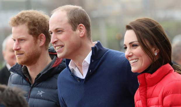 LONDON, ENGLAND - FEBRUARY 05: Catherine, Duchess of Cambridge, Prince William, Duke of Cambridge and Prince Harry join Team Heads Together at a London Marathon Training Day at the Queen Elizabeth Olympic Park on February 5, 2017 in London, England. (Photo by Chris Jackson/Getty Images)