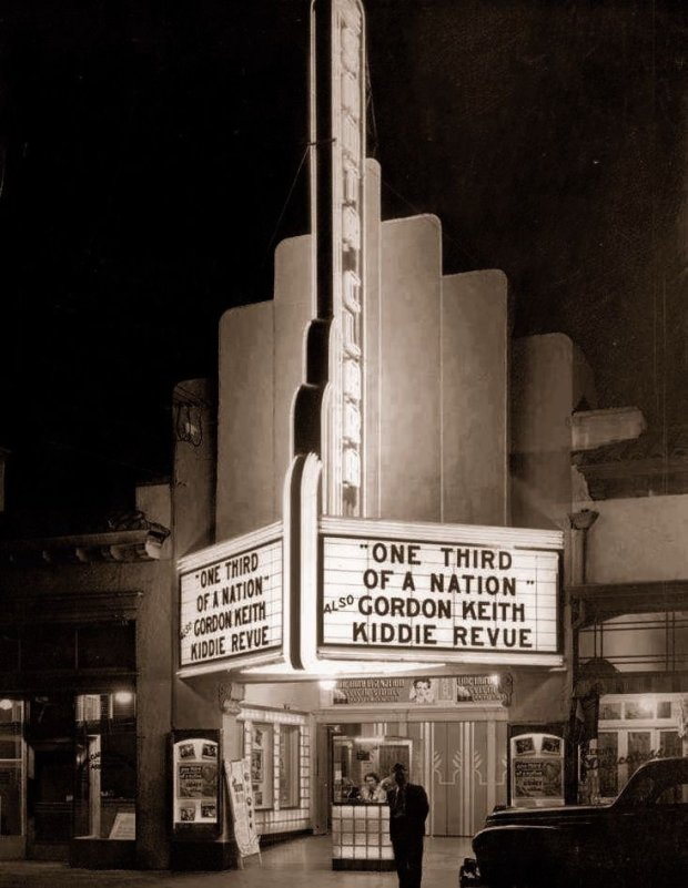 - Photographer: Courtesy Rod Dunham / Reclaiming Our Downtown - Caption: The downtown Santa Clara Theater in 1939 - Caption writer: Herhold - Source/Affiliation: Mercury News - Special instructions: N/A - Permission to post online? Yes - Permission to print in affiliated publications? Yes