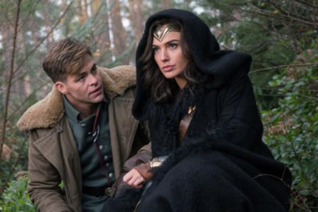 (L-R) Chris Pine as Captain Steve Trevor and Gal Gadot as Wonder Woman in 'Wonder Woman.' (Clay Enos/Warner Bros.)
