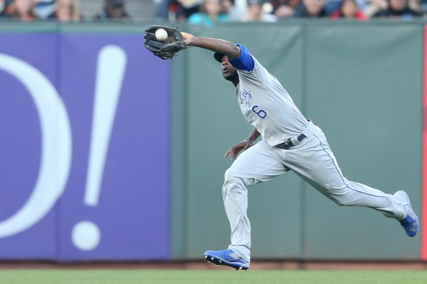 Kansas City Royals' Lorenzo Cain (6) makes a catch on line drive hit by San Francisco Giants' Denard Span (2) in the first inning of their MLB game at AT&T Park in San Francisco, Calif., on Tuesday, June 13, 2017. (Ray Chavez/Bay Area News Group)