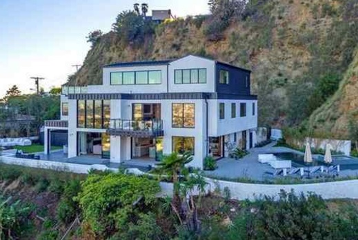 Police called to Demi Lovato's Hollywood Hills home