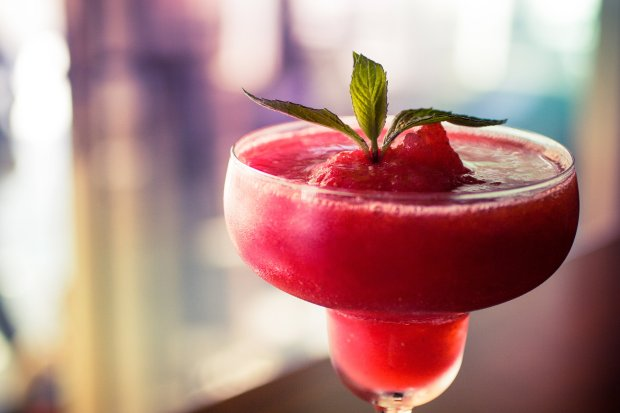 Frozen cocktails, like this refreshing strawberry daiquiri, can be made athome. (Thinkstock)