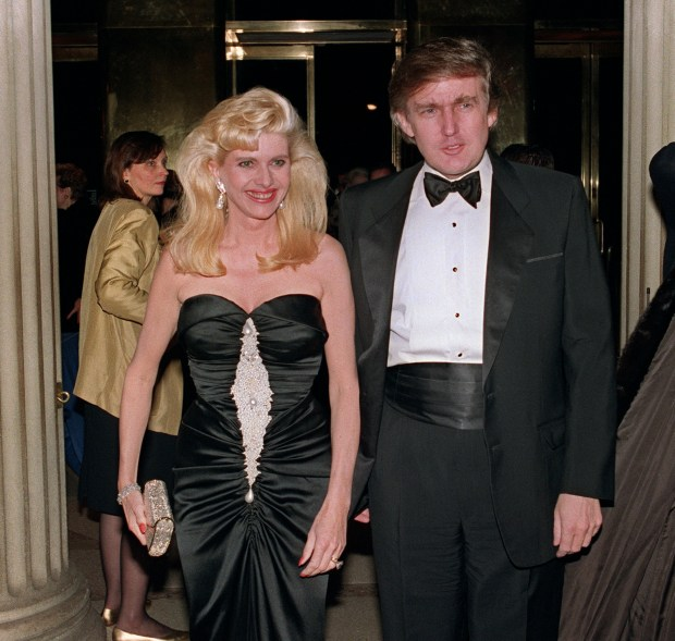 NEW YORK, NY - DECEMBER 4: Billionaire Donald Trump and his wife Ivana arrive 04 December 1989 at a social engagement in New York. (Photo credit should read SWERZEY/AFP/Getty Images)