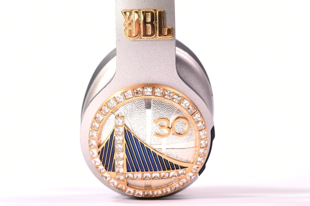 7b9417f3b7f Commemorative JBL Everest NBA Championship headphones, presented to Stephen  Curry, to help celebrate the