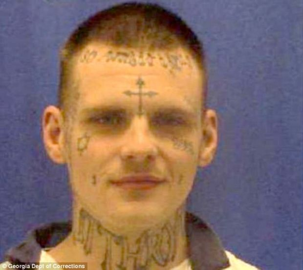 deec7a44b It's a thing: Escaped convicts with tattooed faces