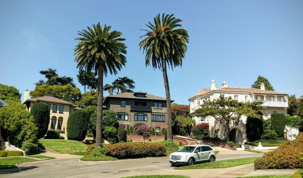 Presidio Terrace in San Francisco is a private gated street, lined bymansions. (Courtesy Jim Heaphy)
