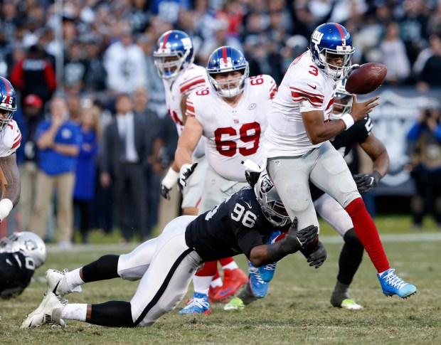 Autry sacks Giants quarterback Geno Smith in the fourth quarter last Sunday. (Jane Tyska/Bay Area News Group)