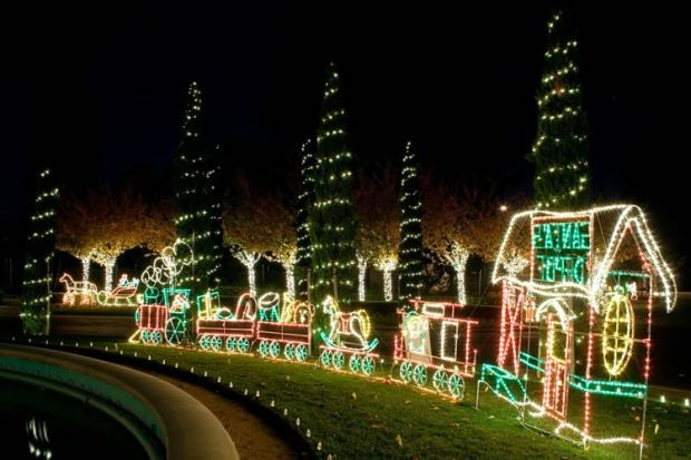 Holiday lights at Oakland's Mountain View Cemetery (Mountain View Cemetery)
