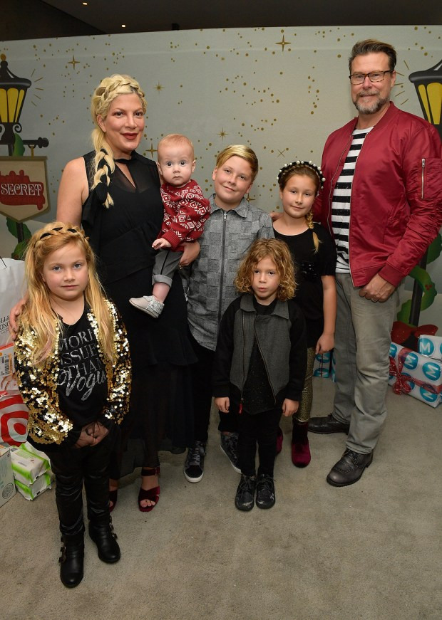 Tori Spelling (L), Dean McDermott, and their children at the 7th Annual Santa's Secret Workshop benefiting LA Family Housing at Andaz on December 2, 2017 in West Hollywood, California. (Photo by Matt Winkelmeyer/Getty Images for Santa's Secret Workshop 2017)