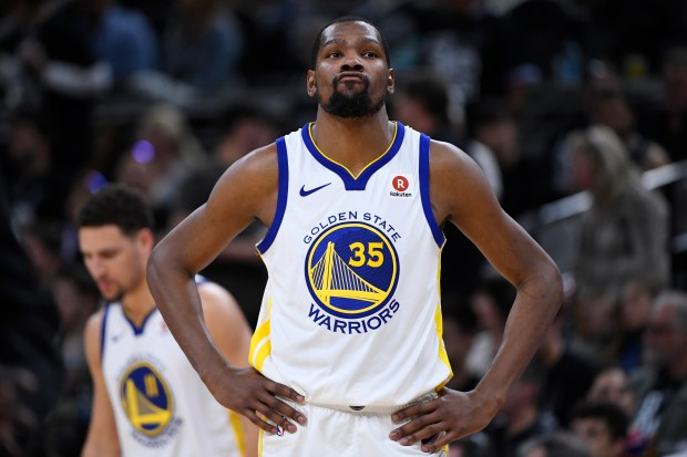 Golden State Warriors' Kevin Durant (35) reacts after a basket by the San Antonio Spurs during the fourth quarter of Game 4 of their NBA first-round playoff series at AT&T Center in San Antonio, Texas, on Sunday, April 22, 2018. San Antonio Spurs defeated the Golden State Warriors 103-90. (Jose Carlos Fajardo/Bay Area News Group)