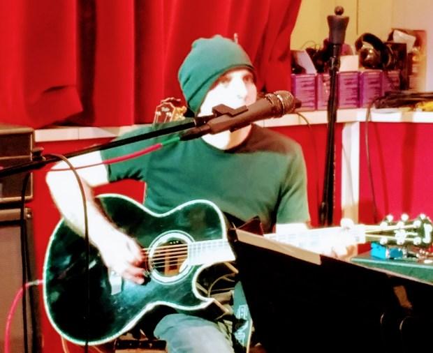 Joe Satriani at Sammy Hagar's studio (Jim Harrington/Staff)