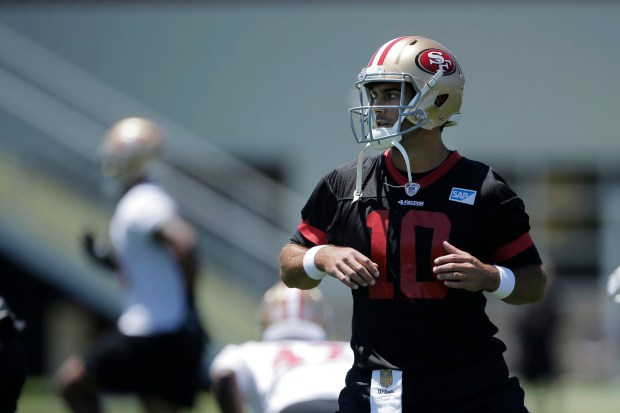 San Francisco 49ers' quarterback Jimmy Garoppolo (10) warms up during 49ers mini-camp at their practice facility in Santa Clara, Calif., on Wednesday, June 13, 2018. (Randy Vazquez/ Bay Area News Group)