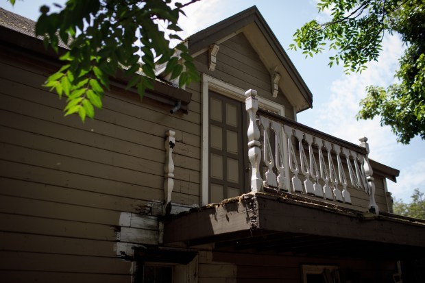 "An exterior view of Karen Smith's ""carriage house"" where she found, in December, the original VHS cassette tapes featuring oral histories of former 49ers talking in 1990 for a production meant as a fundraiser for the ALS Association. The project was relaunched after Dwight Clark announced in March 2017 that he has ALS. (Dai Sugano/Bay Area News Group)"