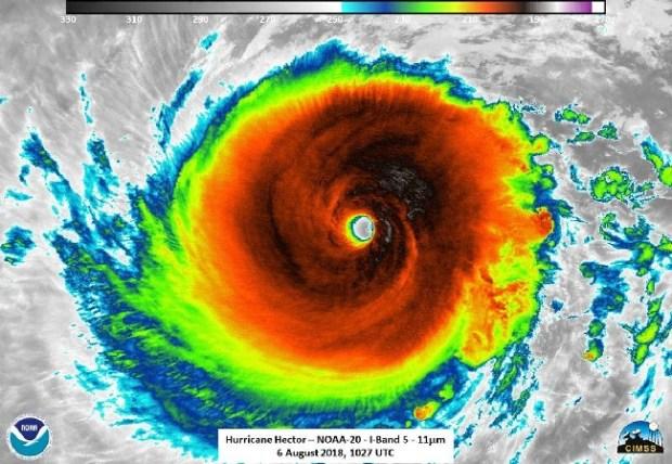 Hurricane Hector,几乎是第5类,预计本周晚些时候将对夏威夷进行边防