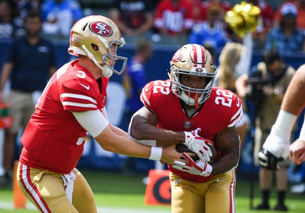 Running back Matt Breida #22 of ...