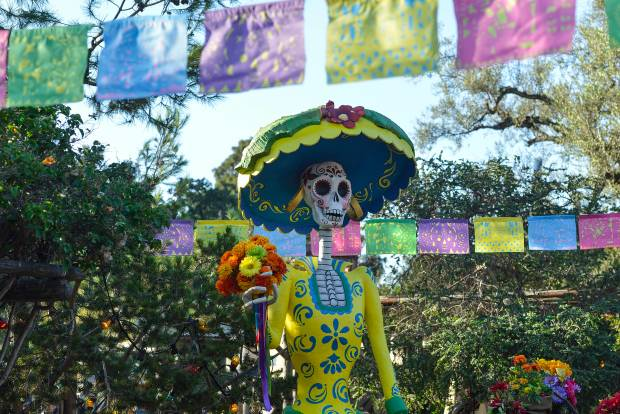 10 Things To Know About Disneyland S Day Of The Dead