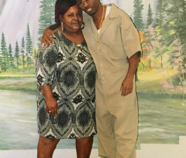 Corvain Cooper With His Mother Barbara Tillis Who Visited Him At Federal Prison In Atwater Cooper Is Writing A Series Of Books About His Life Titled