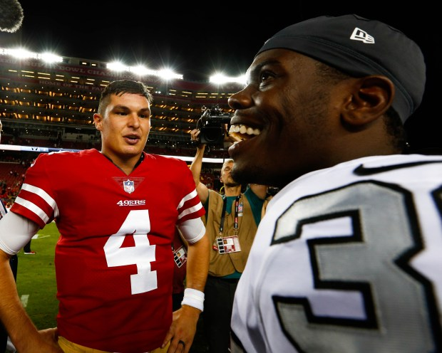 timeless design 8dcfd 6581e 49ers' Nick Mullens leads victory over lifeless Raiders