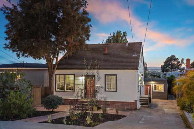 Sponsored: Charming cottage in the East Bay hills