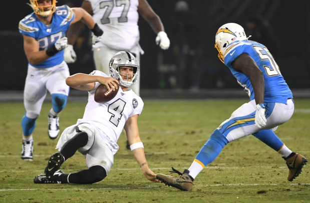 Raiders report card vs. Chargers: It wasn't pretty or crisp, but it was a win