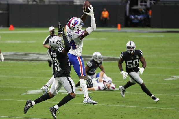 Raiders report card: Too many mistakes against strong Bills