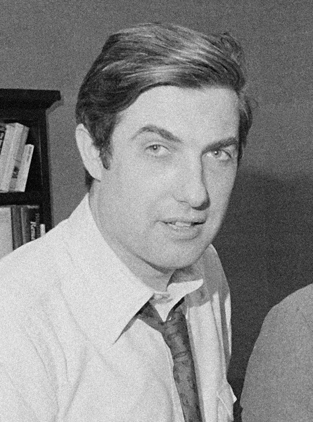 Neil Sheehan, reporter who broke story on Pentagon Papers, dies at 84