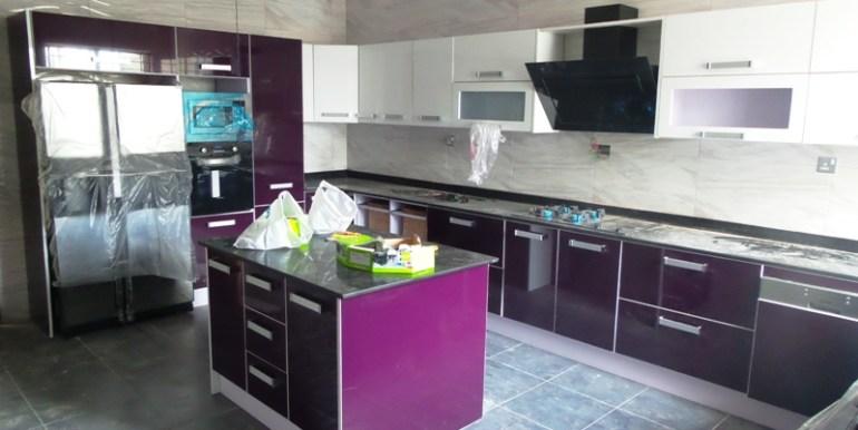 GrandRoyal kitchen