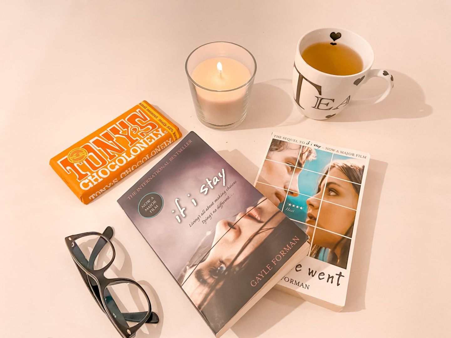 If I stay - books flatlay