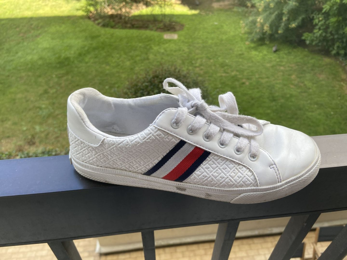 Witte Tommy Hilfiger sneakers