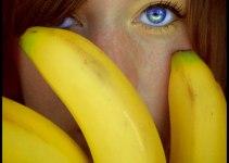 Kisasszony banánnal