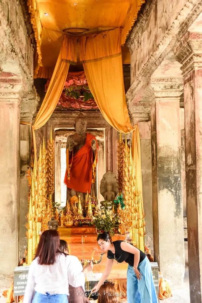 Meriah Nichols Angkor Wat-26
