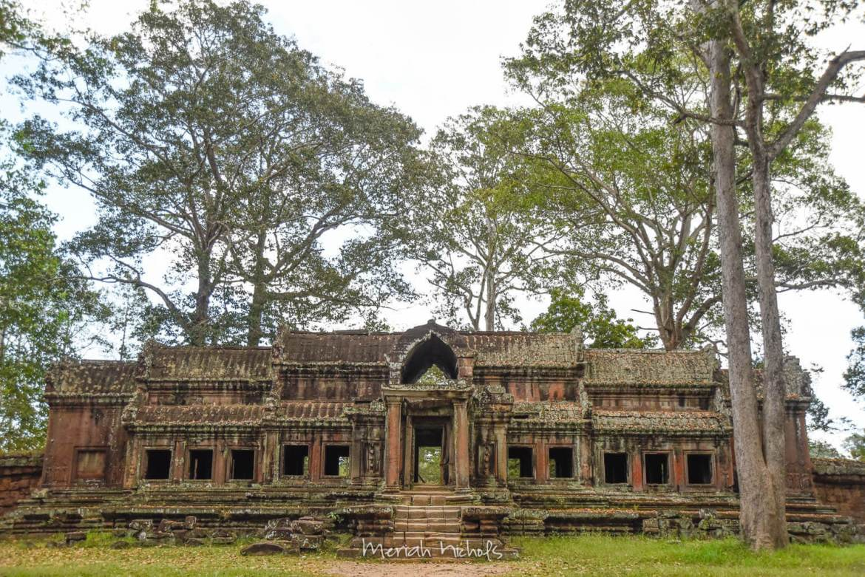 Meriah Nichols Angkor Wat-8
